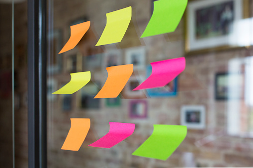 Order「Adhesive notes on glass wall in office」:スマホ壁紙(7)