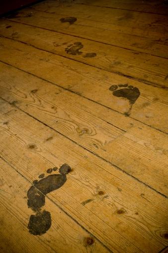 Barefoot「Footprints on Floorboards」:スマホ壁紙(12)