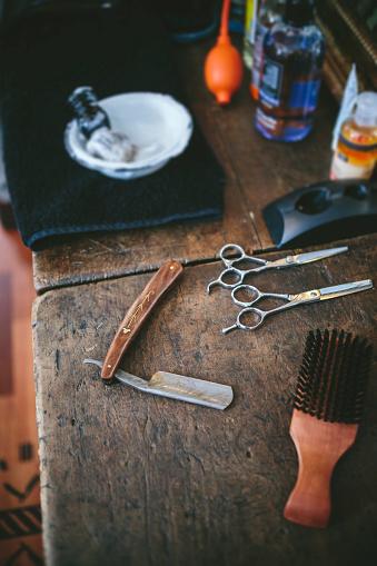 Gear「Utensils in a barber shop」:スマホ壁紙(14)