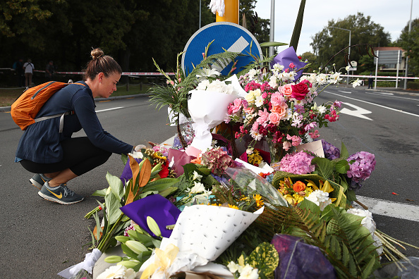 Paying「Aftermath Of Mosque Terror Attack Felt In Christchurch」:写真・画像(17)[壁紙.com]