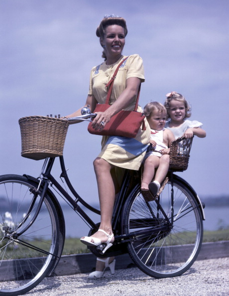 Basket「Bicycling Family」:写真・画像(19)[壁紙.com]