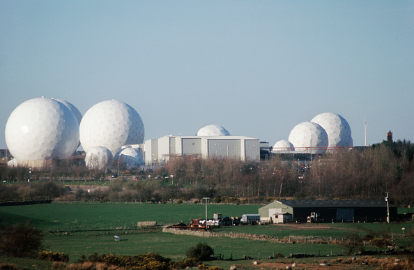 Hill「Enclosed listening radar domes at Menwith Hill US Missile Defense and Surveillance Station, Yorkshire, UK」:写真・画像(9)[壁紙.com]
