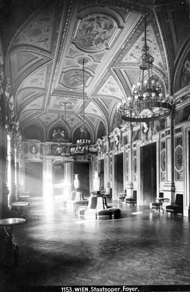 Lobby「Vienna 1: State Opera. The Moritz Schwind Foyer At The Opera House. About 1910. Photograph By Bruno Reiffenstein (No. 1153).」:写真・画像(6)[壁紙.com]