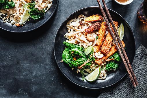 Roasted「Asian cuisine served on a table」:スマホ壁紙(8)
