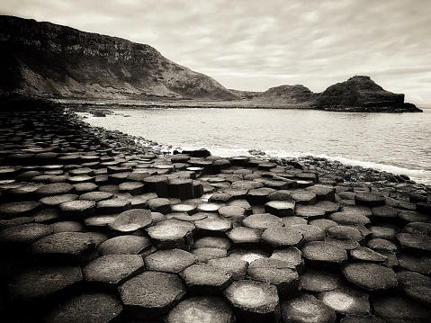 Irish Sea「Giants Causeway Northern Ireland BW Sepia」:スマホ壁紙(10)