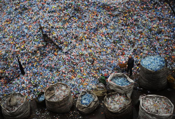 Bottle「Global Economic Crisis Starts To Hit China's Recycling Sector」:写真・画像(10)[壁紙.com]