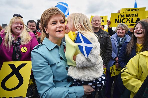 Elementary Age「Nicola Sturgeon Kicks Off The Final Week Of Campaigning」:写真・画像(3)[壁紙.com]