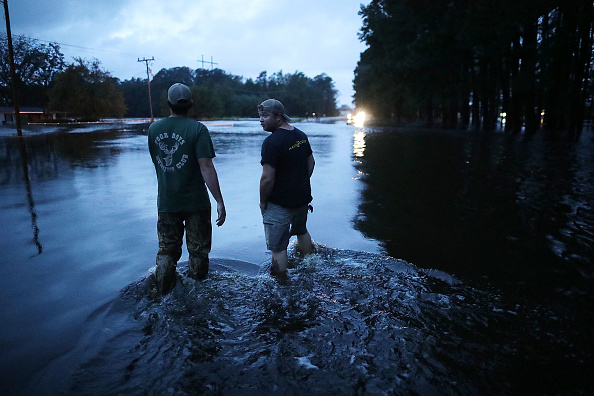 Chip Somodevilla「Carolinas' Coast Line Recovers From Hurricane Florence, As Storm Continues To Pour Heavy Rain On The States」:写真・画像(5)[壁紙.com]