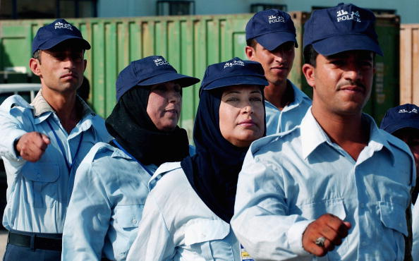 Baghdad「IRQ: Women Take Up New Opportunity To Join Iraqi Police Force」:写真・画像(16)[壁紙.com]