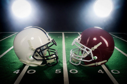 Competitive Sport「Two Football Helmets」:スマホ壁紙(11)