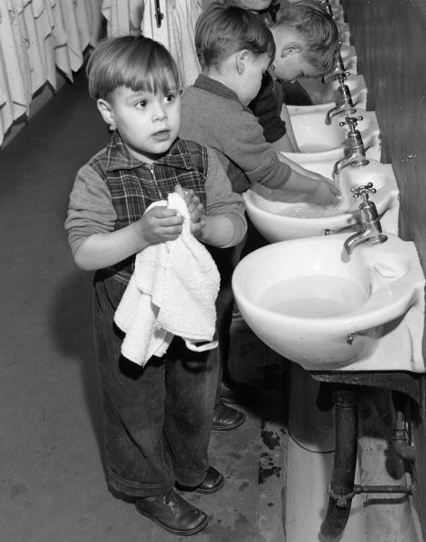 Hand「Sinks To Size」:写真・画像(4)[壁紙.com]