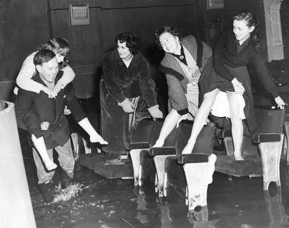 Hosiery「Flooded Theatre」:写真・画像(6)[壁紙.com]