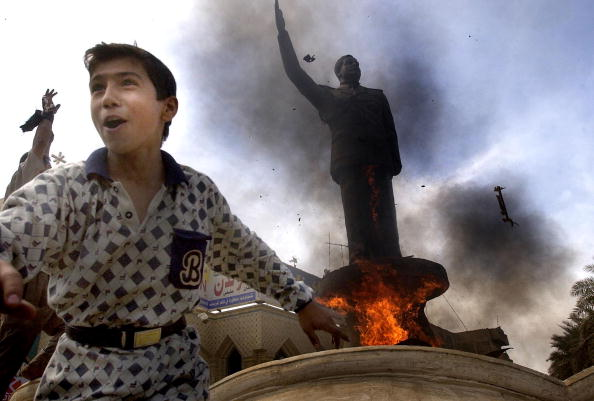 像「Civilians Celebrate Fall Of Saddam In Baghdad」:写真・画像(17)[壁紙.com]