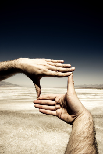 Hand「Hands Photo Frame, Death Valley.」:スマホ壁紙(7)