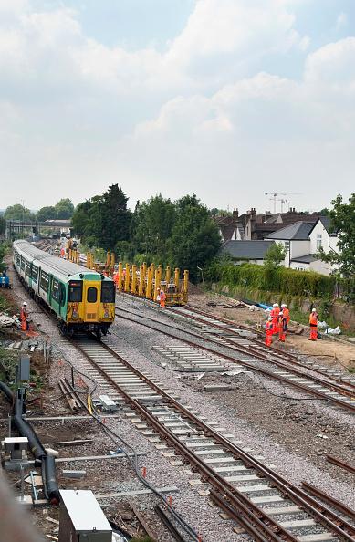 Relay「Relaying of track lines near Croydon, UK」:写真・画像(14)[壁紙.com]