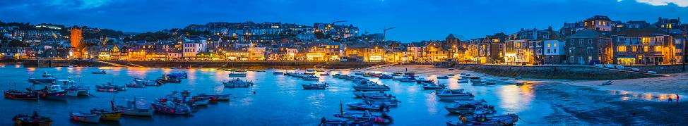 Coastline「Fishing boats harbour beside warm village lights St Ives Cornwall」:スマホ壁紙(15)