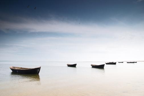 ビーチ「フィッシングボート」:スマホ壁紙(7)