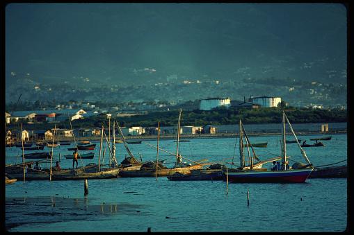 Fisherman「Fishing Boats on Fisherman's Wharf, Port-au-Prince」:スマホ壁紙(18)