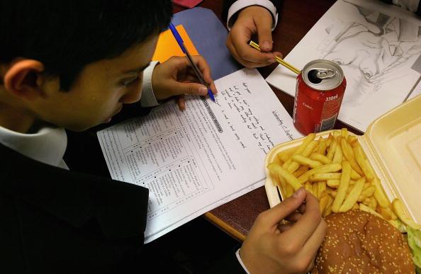 Heavy「Schoolchildren Still Lured To Traditional Unhealthy Diet Options」:写真・画像(19)[壁紙.com]