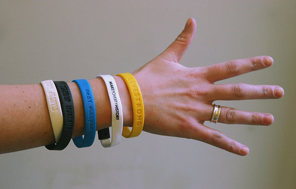 Charity and Relief Work「Charity wristbands」:写真・画像(9)[壁紙.com]