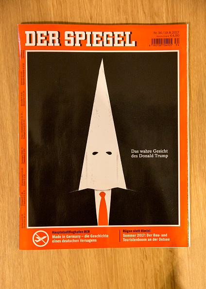 縦位置「Donald Trump In KKK Mask On The Cover Of Der Spiegel」:写真・画像(0)[壁紙.com]