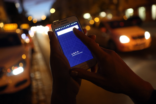 Adam Berry「German Court Bans Uber Service Nationwide」:写真・画像(2)[壁紙.com]