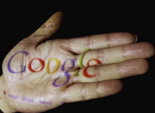 Hand「Internet Companies Vie For Market Dominance」:写真・画像(19)[壁紙.com]