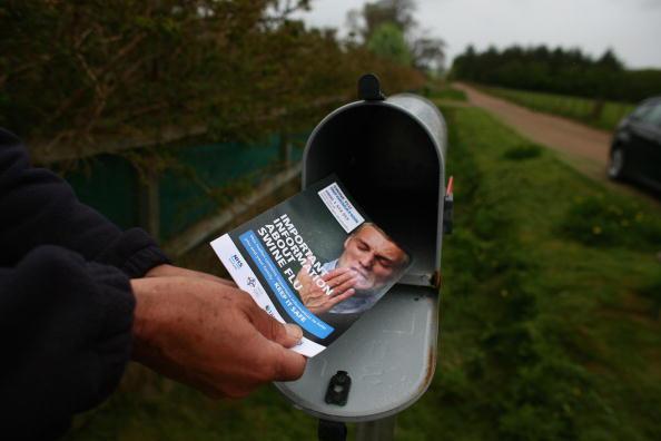 Handout「The Post Office Distribute Swine Flu Leaflets To Houses In The UK」:写真・画像(16)[壁紙.com]
