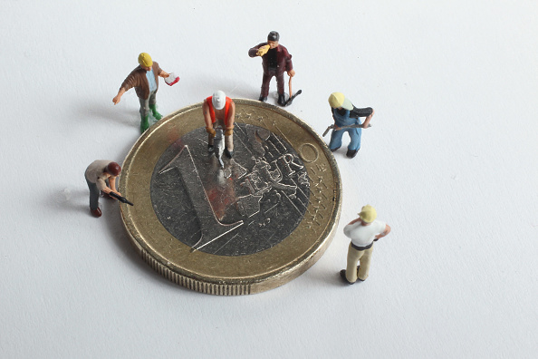 Manufactured Object「Euro Faces Continued Uncertainty」:写真・画像(8)[壁紙.com]