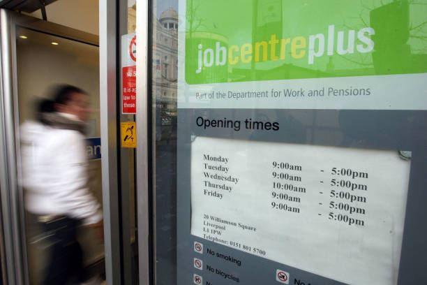 Surge In Unemployment Helps Keep Job Centres Alive:ニュース(壁紙.com)