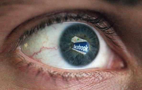 眼「Social Networking Sites May Be Monitored By Security Services」:写真・画像(8)[壁紙.com]