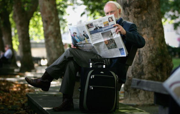 Full Length「Guardian Newspaper Changes to Mid-Size Format」:写真・画像(15)[壁紙.com]