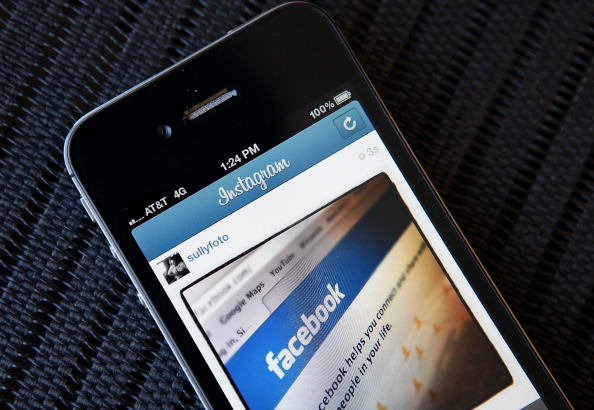 ロゴマーク「Facebook To Acquire Photosharing Site Instagram For One Billion Dollars」:写真・画像(12)[壁紙.com]