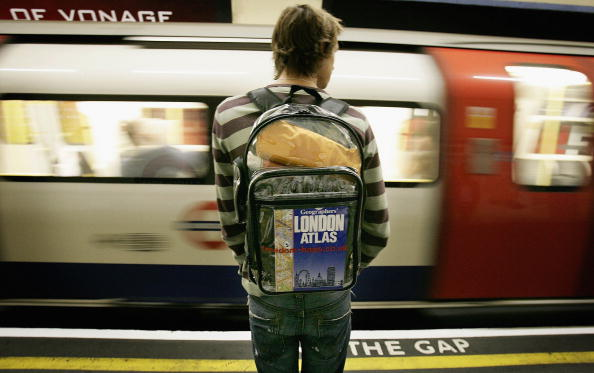 Backpack「London Firm Markets Transparent Luggage In Wake Of Bombs」:写真・画像(7)[壁紙.com]