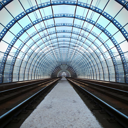 Railway「Train station tunnel」:スマホ壁紙(12)