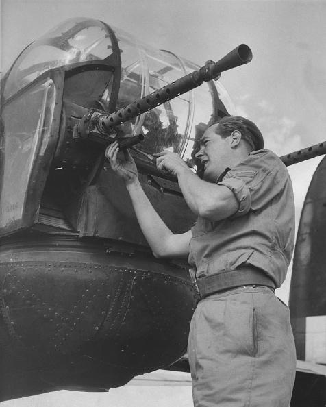 Derek Berwin「Avro Lincoln four-engined heavy bomber」:写真・画像(6)[壁紙.com]