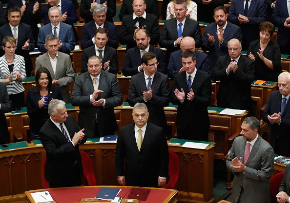 Laszlo Balogh「Viktor Orban Takes Oath To Serve Fourth Term As Prime Minister」:写真・画像(1)[壁紙.com]