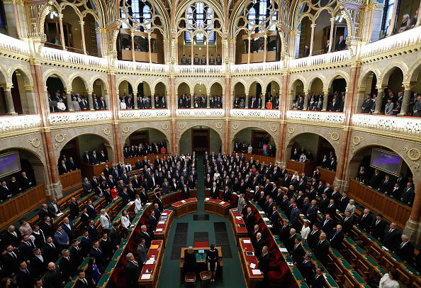 Hungarian Parliament Building「New Hungarian Government Formed At Parliament, Protesters Demonstrate Outside」:写真・画像(0)[壁紙.com]