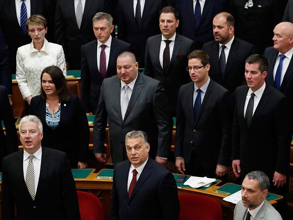 Hungarian Parliament Building「New Hungarian Government Formed At Parliament, Protesters Demonstrate Outside」:写真・画像(10)[壁紙.com]