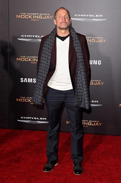 "Blue Pants「Premiere Of Lionsgate's ""The Hunger Games: Mockingjay - Part 2"" - Arrivals」:写真・画像(12)[壁紙.com]"