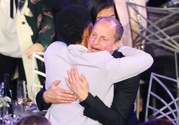 シュラインオーディトリアム「24th Annual Screen Actors Guild Awards - Show」:写真・画像(6)[壁紙.com]