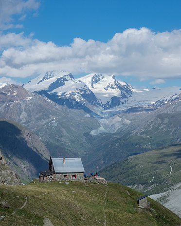 Pennine Alps「Alpine refuge in the Matterhorn region」:スマホ壁紙(3)