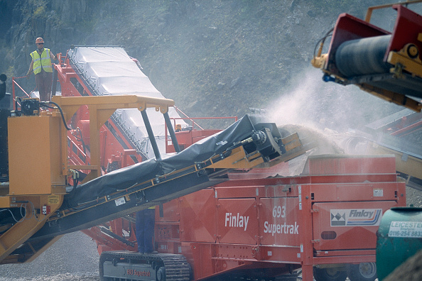 2002「Finlay 693 Supertrak mobile screening unit.」:写真・画像(6)[壁紙.com]