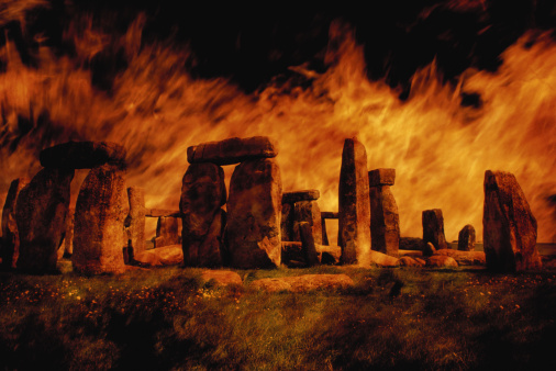 Multiple Exposure「Composite image of Stonehenge and fire.」:スマホ壁紙(0)