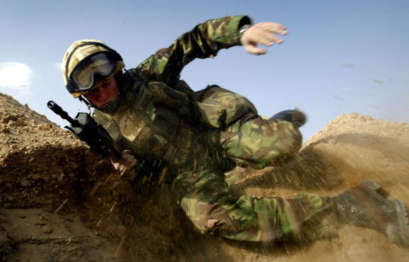 男性一人「British Troops Train In Kuwait」:写真・画像(3)[壁紙.com]