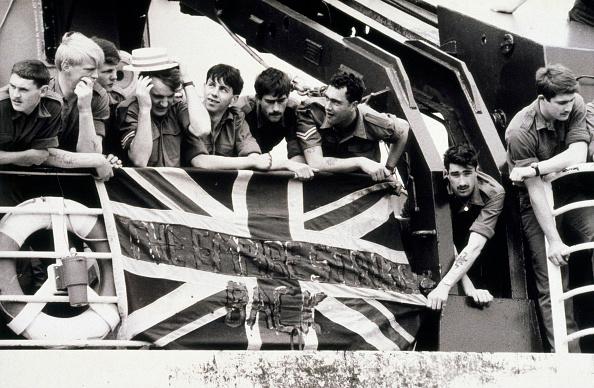 Falkland Islands「British Troops Leave For The Falkands War」:写真・画像(18)[壁紙.com]