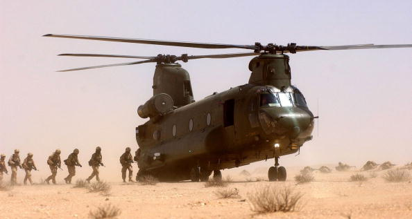 CH-47 Chinook「Operation Enduring Freedom」:写真・画像(2)[壁紙.com]