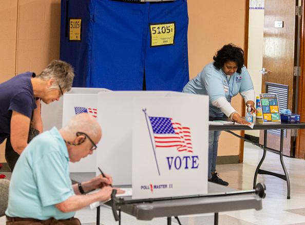 Tallahassee「Florida Holds Presidential Primary Amid Coronavirus Pandemic」:写真・画像(4)[壁紙.com]