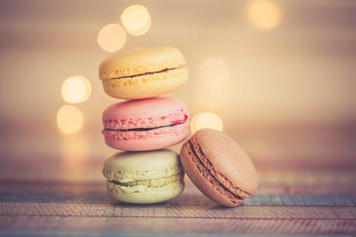 マカロン「Stack of different macarons」:スマホ壁紙(19)
