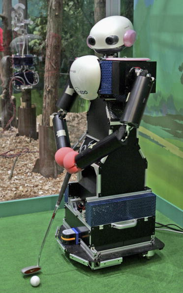 Putting Green「Prototype Robot Exhibition Opens At 2005 World Exposition」:写真・画像(13)[壁紙.com]